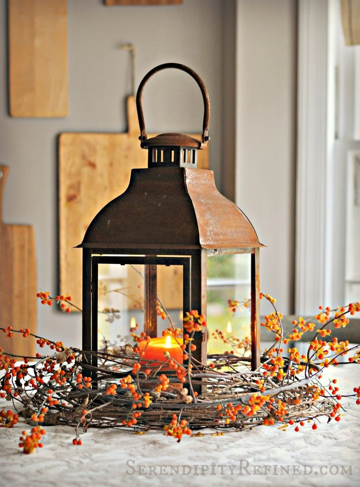 59 fall lanterns for outdoor and indoor d cor digsdigs for Outdoor christmas lantern decorations