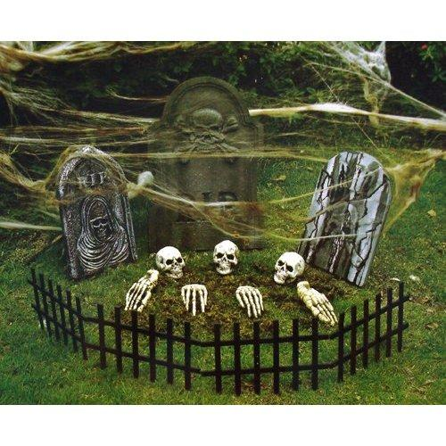 60 awesome outdoor halloween party ideas digsdigs for 90 cool outdoor halloween decorating ideas