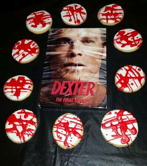 Dexter-themed sweets serving with his photo and bloody cookies is bold and cool idea for your Halloween party