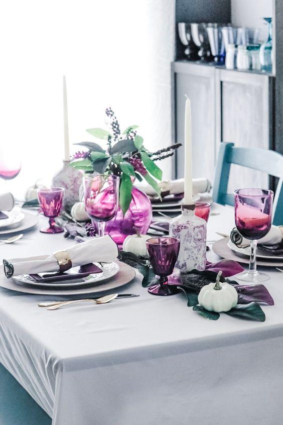 a modern thanksgiving table setting