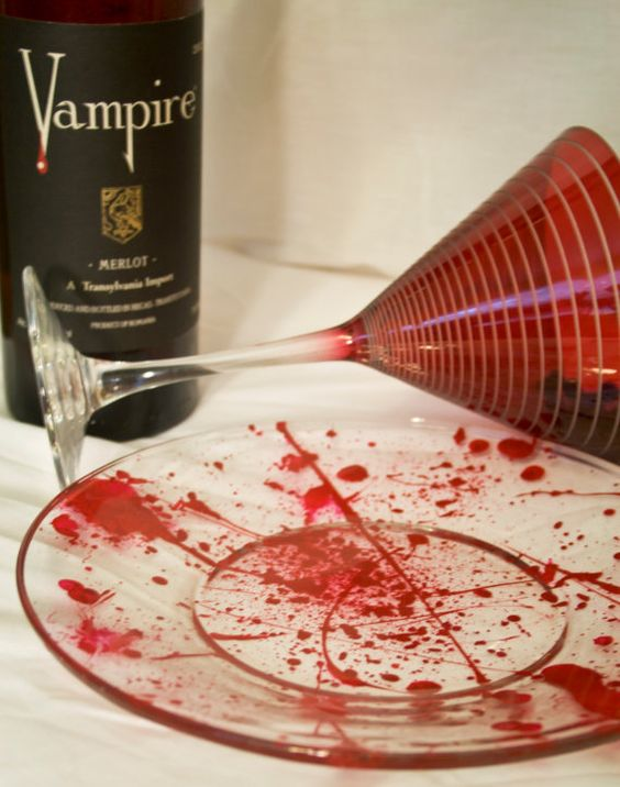 bloody glassware is a cool idea for a Dexter, vampire and many other Halloween parties, get inspired