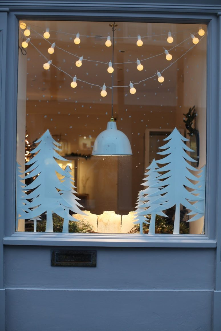 70 awesome christmas window d cor ideas digsdigs for Christmas window mural