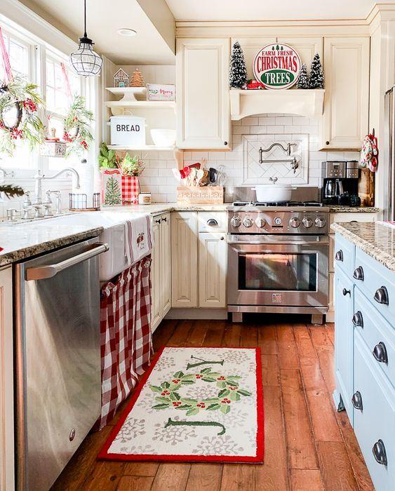 75 Cozy Christmas Kitchen Decor Ideas Digsdigs