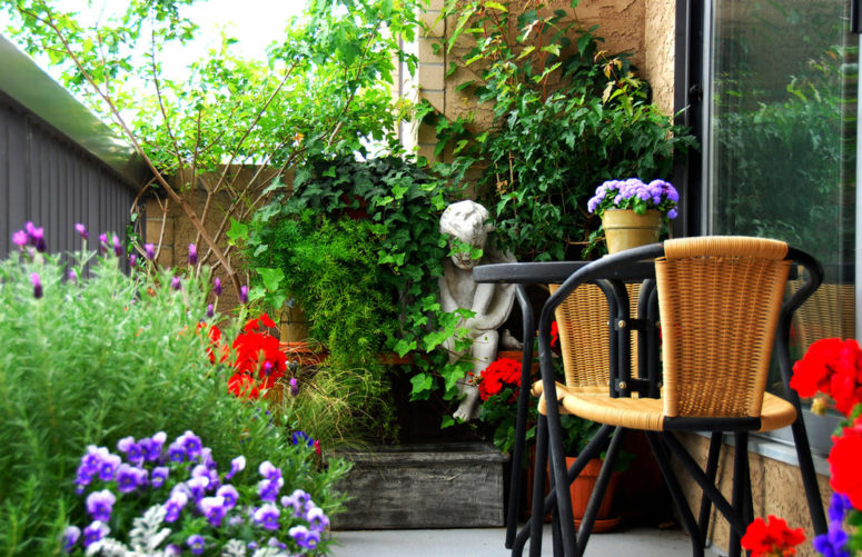 Balcony Flower Bed Ideas 3