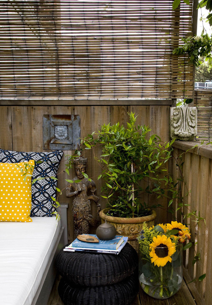 57 cool small balcony design ideas digsdigs for Balcony zen garden ideas