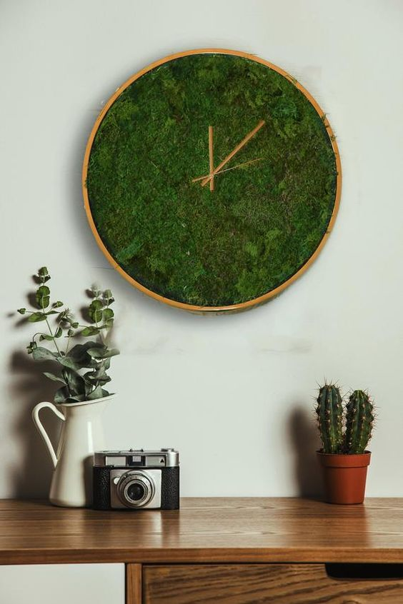 a moss clock is a cool natural decoration for spring, summer or any other season