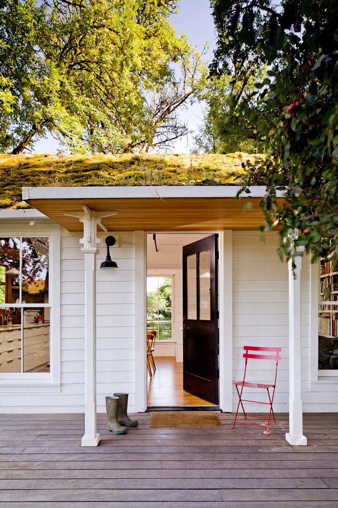 39 cool small front porch design ideas digsdigs for Small house design with roof deck