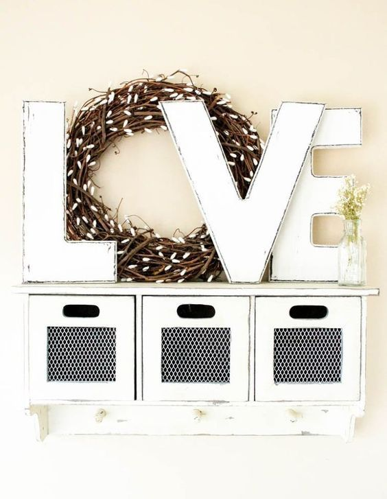 a willow wreath used as O letter is a nice decoration for all year round, love each other