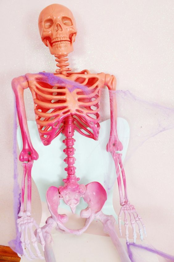 make a colorful ombre skeleton for Halloween in just one quick step and impress everyone