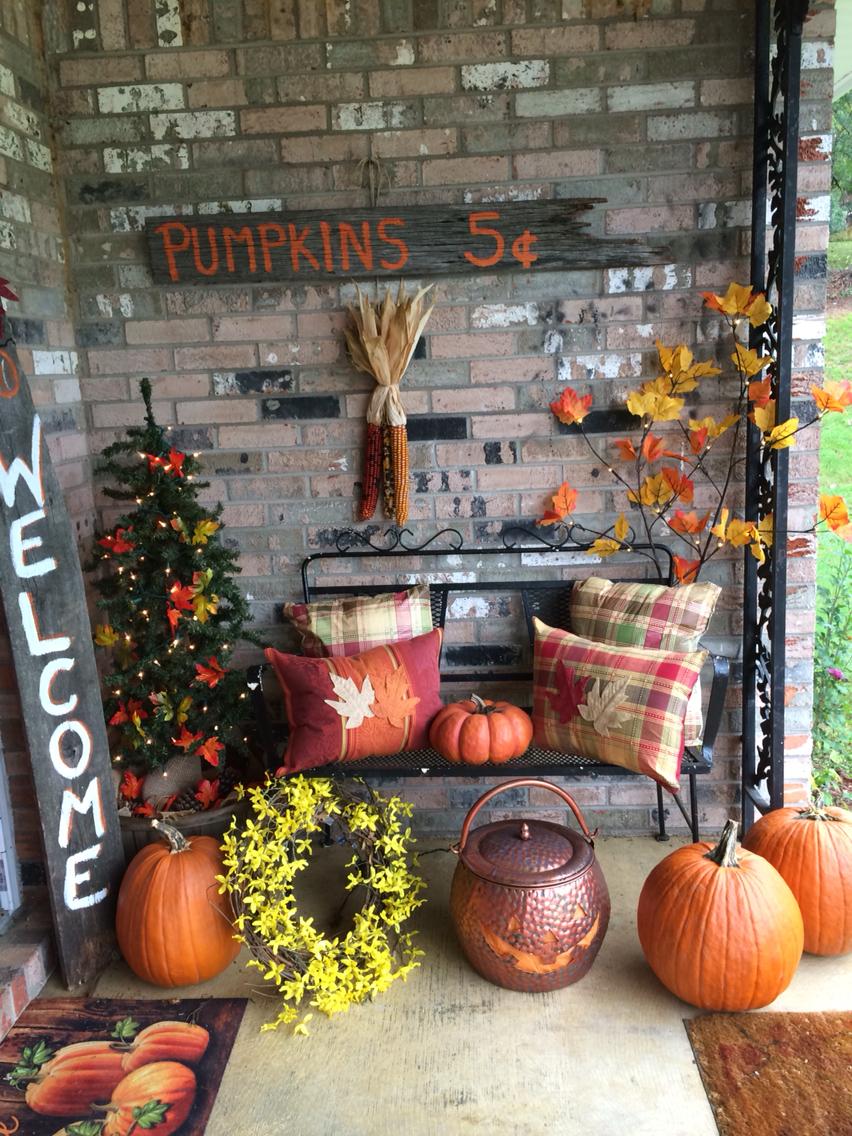 Picture Of Cozy Thanksgiving Porch Decor Ideas