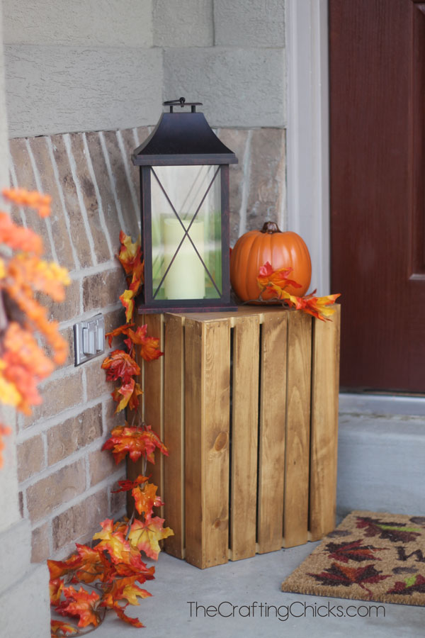 This cute and super simple idea would be perfect for a small porch.