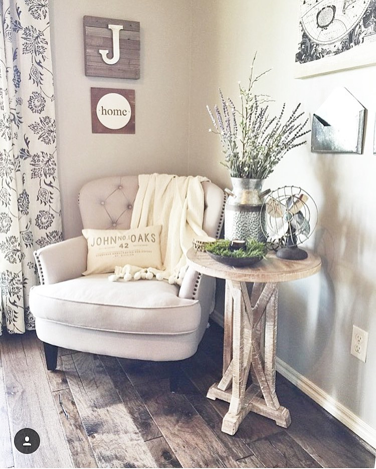 Comfy Farmhouse Living Room Designs To Steal