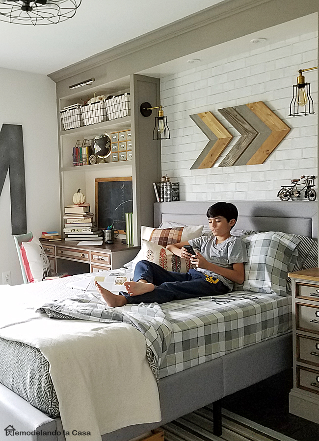 55 modern and stylish teen boys 39 room designs digsdigs for Bedroom furniture for 8 year old boy