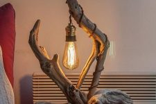 a quite unique driftwood table lamp that can be DIY