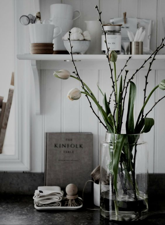 tullips are cool to decorate your home during spring