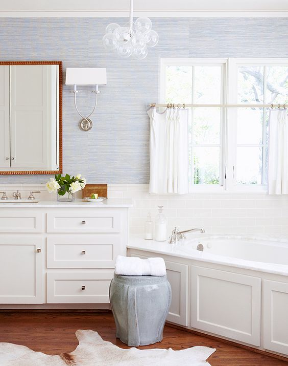 a catchy chandelier of clear glass bubbles is a chic idea for a modern or farmhouse bathroom and looks wow
