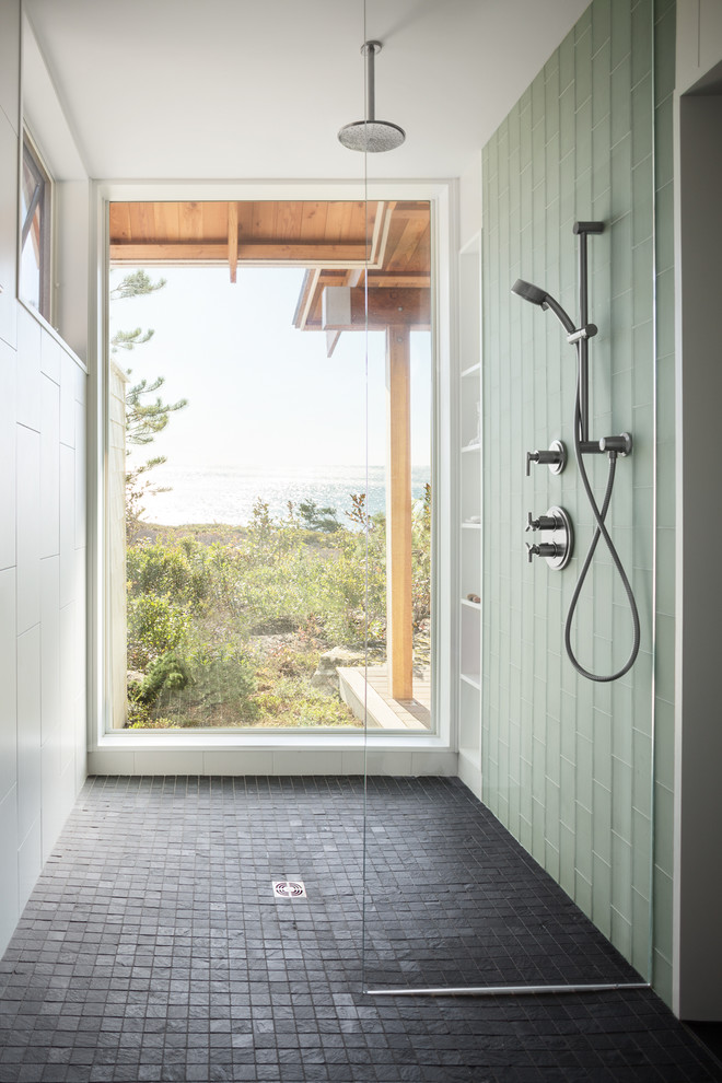with stone-like tiles you can bring your bathroom or a shower closer to outdoor environment (Whitten Architects)
