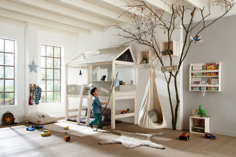 Your kid won't need a tree house if he or she owns such luxury bed. It even has its own roof. (Cuckooland)