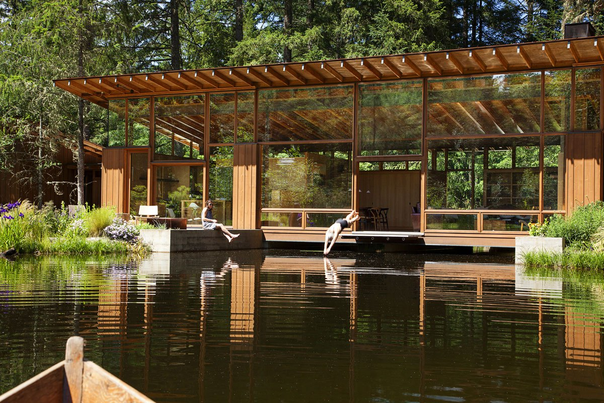 The design attempts to make the pond and residence a single entity