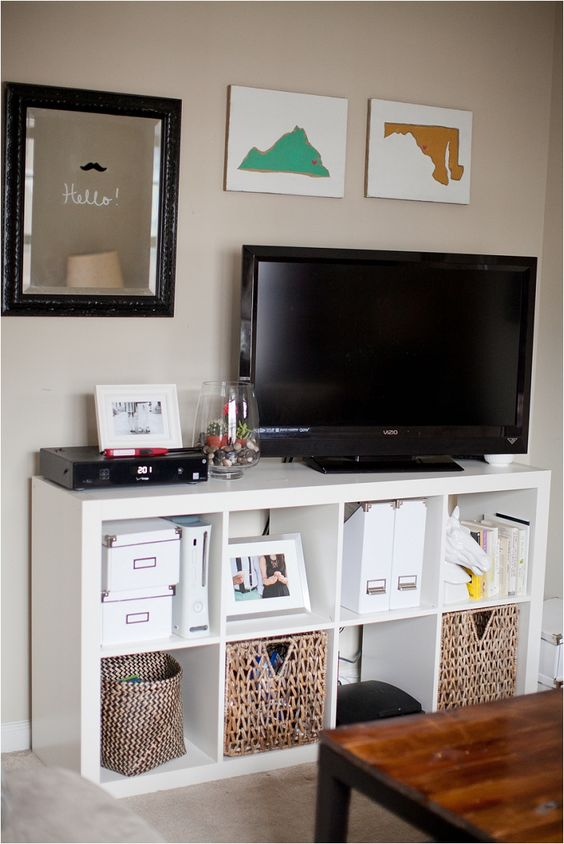 28 IKEA Kallax Shelf Décor Ideas And Hacks You\'ll Like - DigsDigs