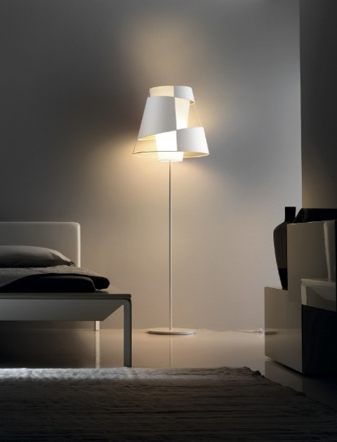 Contemporary yet timeless floor lamps by pallucco digsdigs for Piantane a led ikea