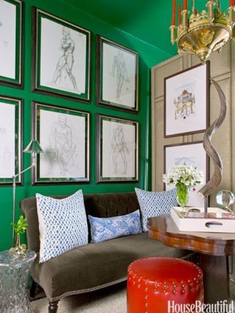 27 daring red and green interior d cor ideas digsdigs for Accent colors for neutral rooms