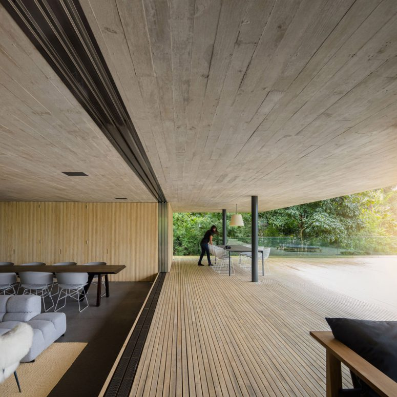 The most of the living spaces run on the swimming pool level and have balconies facing the forest