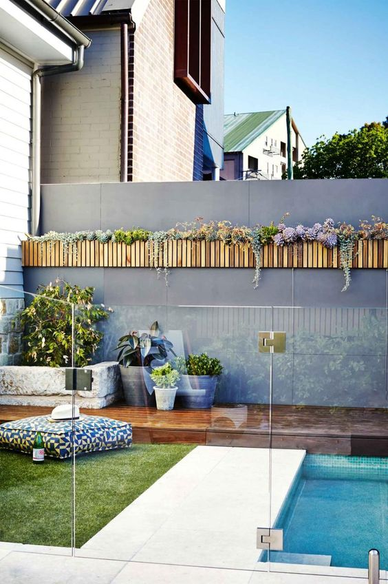 30 Stylish And Practical Pool Fence Designs - DigsDigs