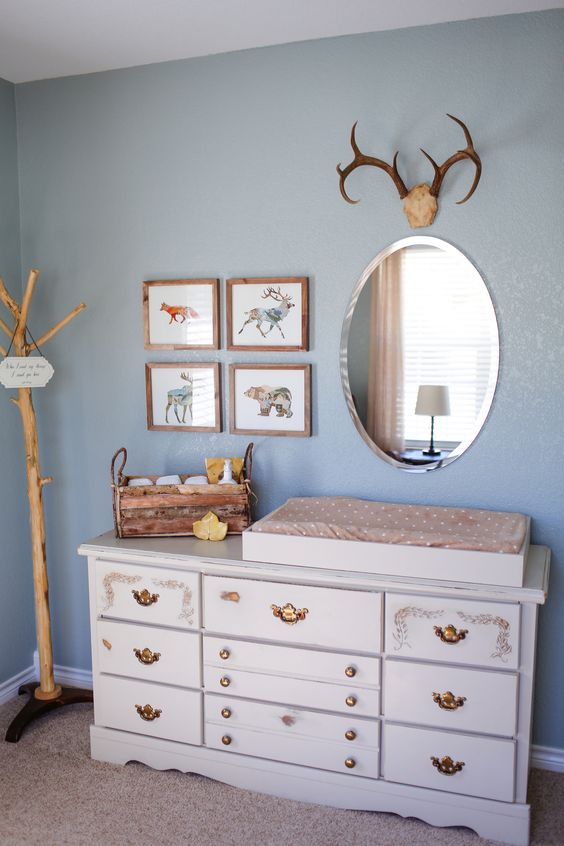 Charming Vintage Changing Table With Refined Knobs