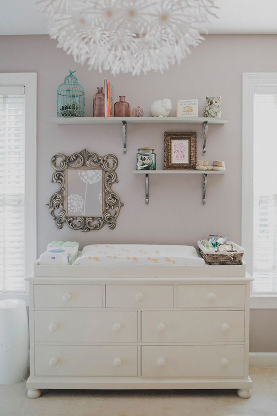 37 ideas to decorate and organize a nursery digsdigs for Above the crib decoration ideas