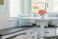 14 coastal-inspired breakfast nook in blue shades