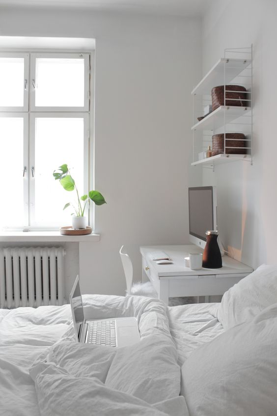 Genial Serene White Bedroom With A White Desk