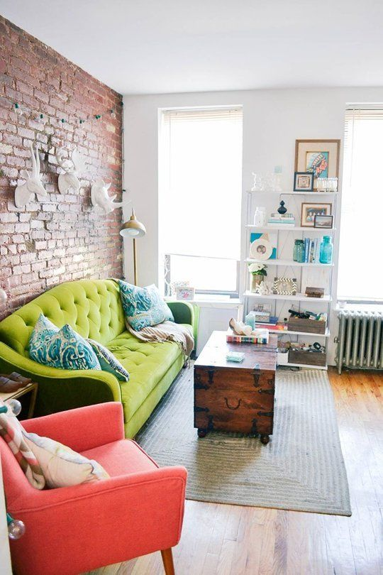 Decorate Small Living Room: 27 Daring Red And Green Interior Décor Ideas