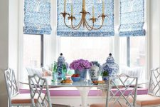 23 Chinoiserie breakfast nook in bold shades