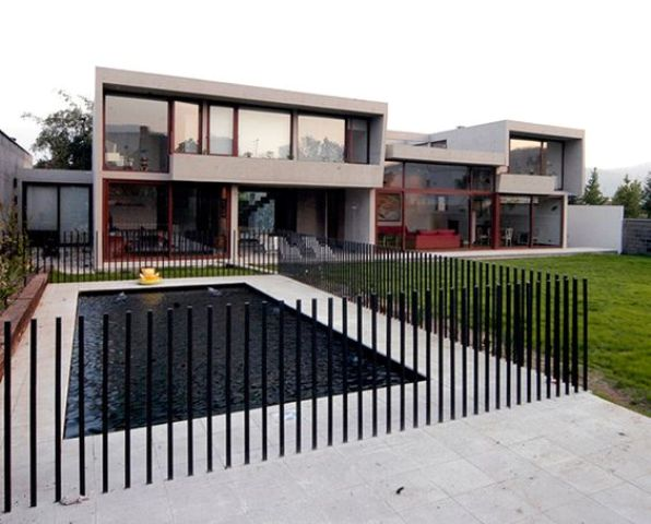 Stylish and practical pool fence designs digsdigs