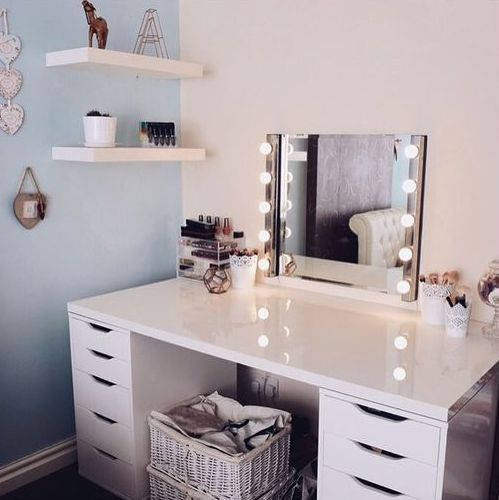 Marvelous Corner Vanity With Lights To Make A Teen Girl Feel Like A Star