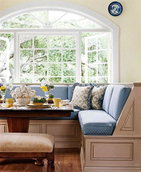 refined vintage breakfast nook mixing blue and tan colors