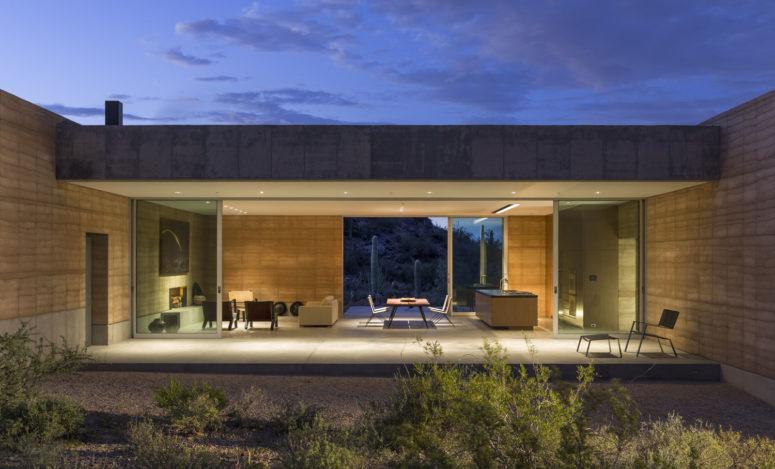 Tucson Mountain Retreat Inspired By Desert Sands