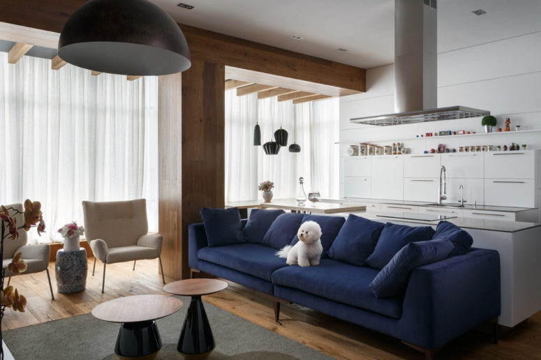 This large eclectic apartment was decorated by an artist for her family and herself & Bold And Eclectic Ukrainian Apartment For An Artist - DigsDigs