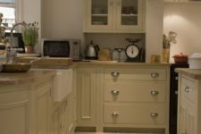 02 stone floor tiles are ideal for kitchen as it's a heavy traffic area