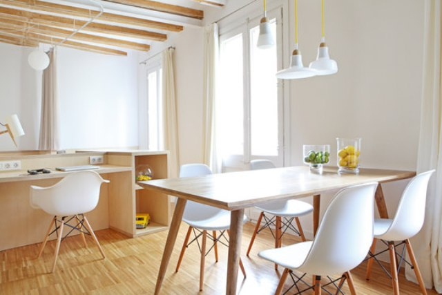 Light wood in decor makes the apartment warmer and comfier