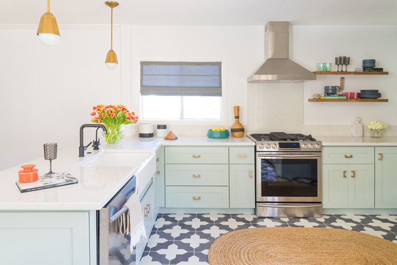 Mid Century Mint Kitchen Design With Brass Touches Digsdigs