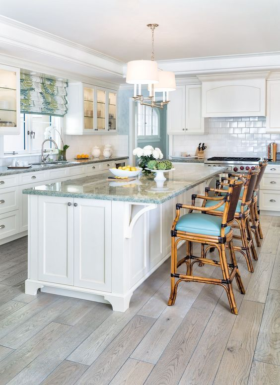 Coastal Kitchen With Whitewashed Hardwood Floors