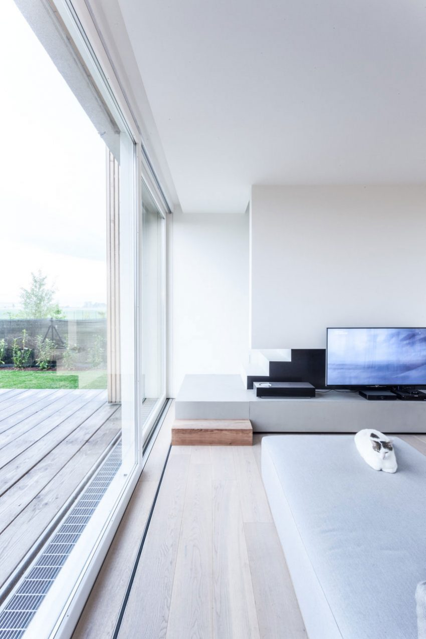 The home is clutter free, spacious, airy and ultra minimalist