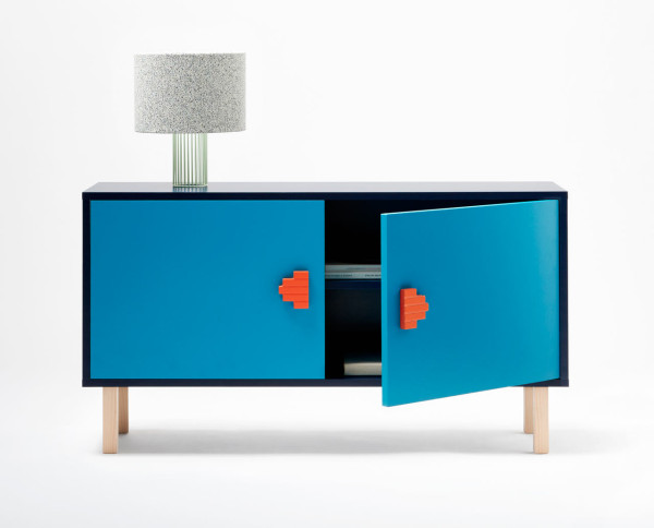 You can find another option in bold blue with bright orange geo handles