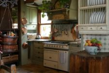 05 floors of different shades add to the cozy rustic kitchen decor