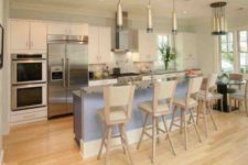 05 light flooring that echoes with lamps and cabinets