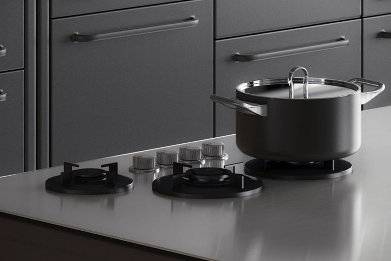 The appliances are of stainless steel to give a glossy effect to the kitchen
