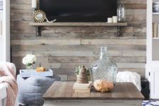 06 rustic pallet wall to accentuate a TV