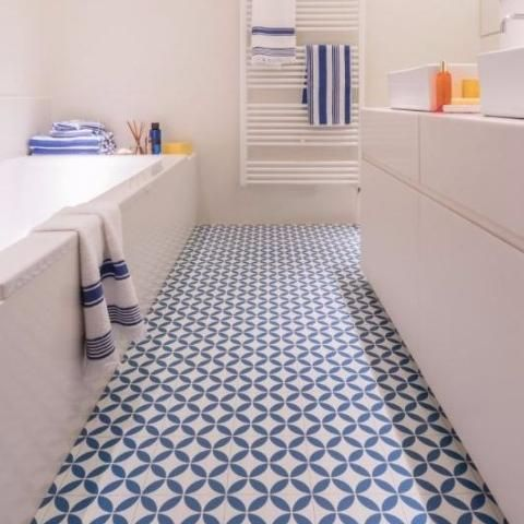 29 vinyl flooring ideas with pros and cons digsdigs for Colourful lino flooring